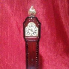 Miniaturas de perfumes antiguos: BOTELLA DE CRISTAL PARA PERFUME EN FORMA DE RELOJ. Lote 264728214
