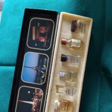 Miniaturas de perfumes antiguos: CAJA 7 MINI PERFUMES FRANCESES LES MEILLEURS PARFUMS DE PARIS. Lote 267316389