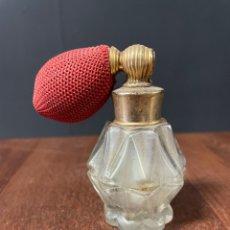 Miniaturas de perfumes antiguos: BONITO FRASCO PULVERIZADOR DE TOCADOR PARA PERFUME. Lote 271356848
