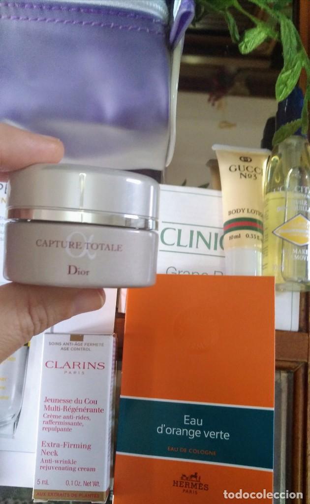 Miniaturas de perfumes antiguos: NECESER CLINIQUE CON COSMÉTICOS INCLUÍDO DIOR CAPTURE TOTALE - Foto 2 - 275229763