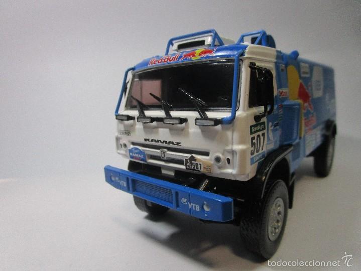 Hobbys: Truck Camion Rally Kamaz Dakar Escala 1/43 Coleccion 17cm Largo Metalico Red Bull NUEVO IXO LUPPA - Foto 7 - 222512646