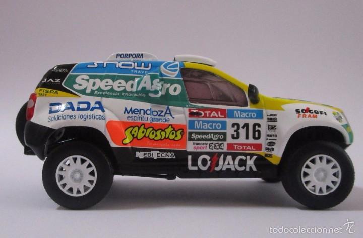 Hobbys: Camioneta Renault Duster Dakar AUTO Escala 1/43 de 11cmde Largo Metálico De Coleccion - Foto 4 - 71480570