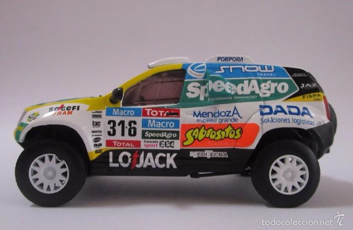 Hobbys: Camioneta Renault Duster Dakar AUTO Escala 1/43 de 11cmde Largo Metálico De Coleccion - Foto 5 - 71480570