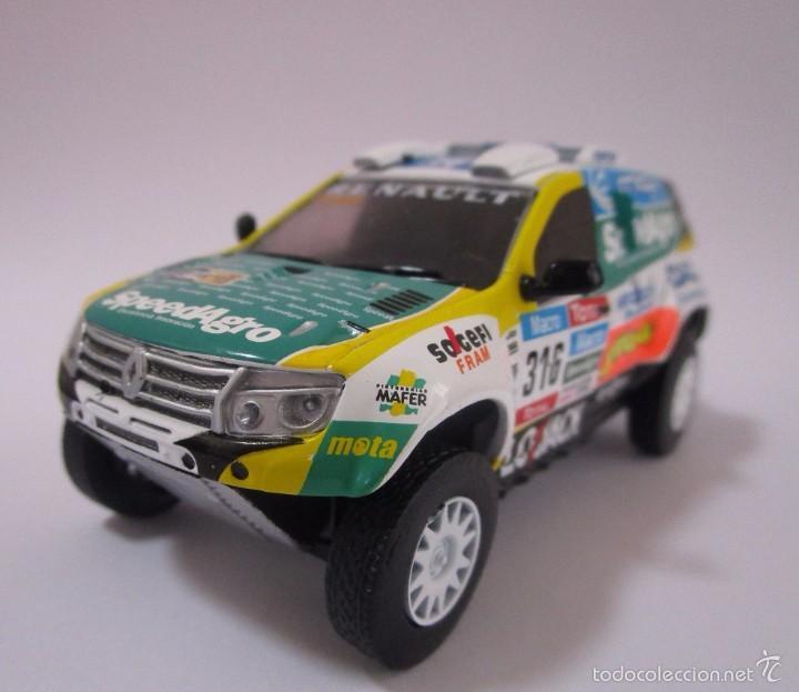 Hobbys: Camioneta Renault Duster Dakar AUTO Escala 1/43 de 11cmde Largo Metálico De Coleccion - Foto 3 - 71480570