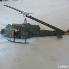 Hobbys: 28MM CORGI UNSUNG HEROES VIETNAM HELICOPTER UH-1B HUEY ARMY 117 AVIATION COMPANY. Lote 62147488