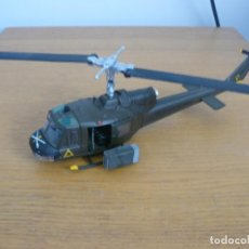 Hobbys: 28MM CORGI UNSUNG HEROES (VIETNAM) UH-1B HUEY GUN SHIP DIECAST. Lote 71601863