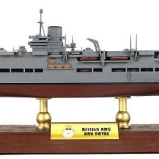 Hobbys: PORTAAVIONES HMS ARK ROYAL, ROYAL NAVY, ATLÁNTICO, 1941, 1:700, FORCES OF VALOR. Lote 117292703