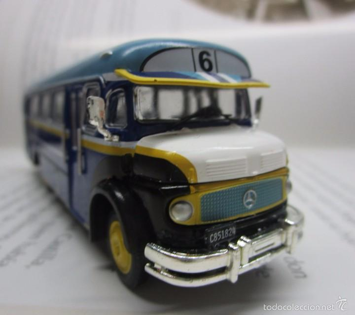 ANTIGUO AUTOBUS BUS BUSETA COLECTIVO MERCEDES ARGENTINA ESCALA 1/72 12CM COLECCION IXO LUPPA (Juguetes - Modelismo y Radiocontrol - Diecast)