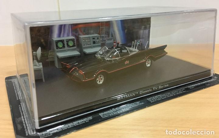 Hobbys: AUTOMOBILIA Nº 2 - SERIES CLÁSICAS DE BATMAN - BATMÓVIL EN LA BATCUEVA (1966). ESCALA 1/43 - Foto 3 - 193857878