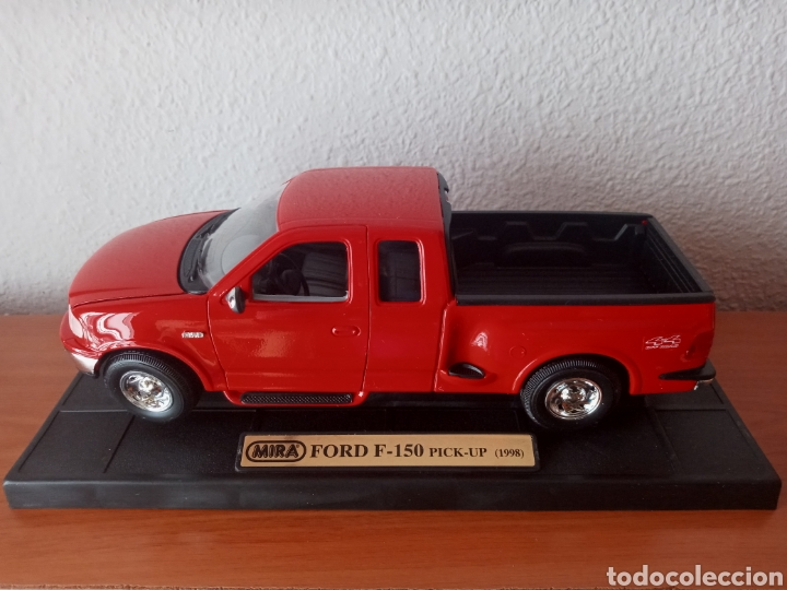 Hobbys: FORD PICK UP F 150 1998 SÓLIDO 1:18 - Foto 1 - 202110947