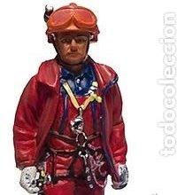 Hobbys: FIGURA DE COLECCIONISTA: Bombero del GRIMP, 2002, Paris. Escala 1:30, plomo/estaño. A ESTRENAR - Foto 2 - 244878865