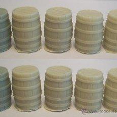 Hobbys: 10 BARRILES MADERA, 10 BARRELS WOOD 1/48 4807 28 MM. Lote 130459383