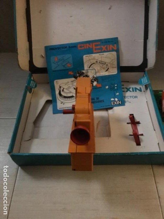 Hobbys: Cinexin antiguo - waly Disney CON 4 PELICULAS CINE EXIN AZUL AÑOS 70 ENCIENDE BOMBILLA - Foto 4 - 197424047