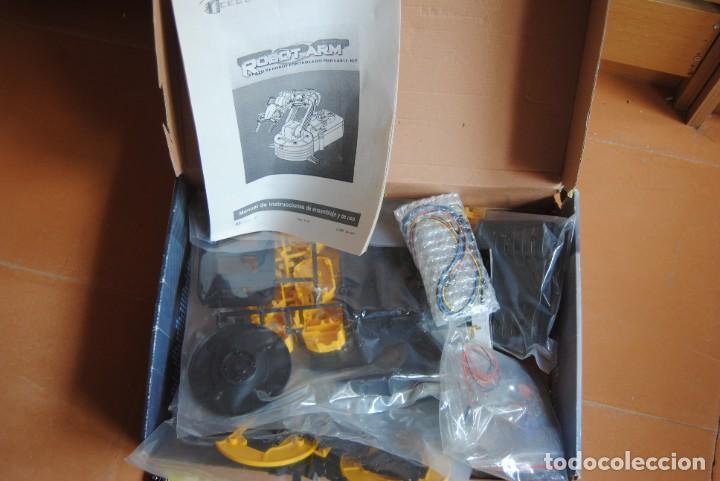 Hobbys: BRAZO ROBOTICO CON MANDO CEBEKIT C-9895 - NUEVO - ROBOT - JUGUETE - ELECTRONICA - ROBOT ARM - Foto 3 - 268796589