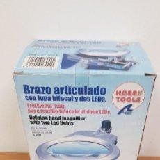 Hobbys: BRAZO ARTICULADO CON LUPA, LEDS Y SOPORTE SOLDADOR HERRAMIENTA MODELISMO REF 270271 ARTESANIA LATINA. Lote 291963918