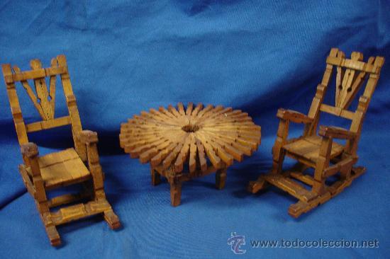 mecedoras y mesa hechas con pinzas de madera Comprar Figuras en