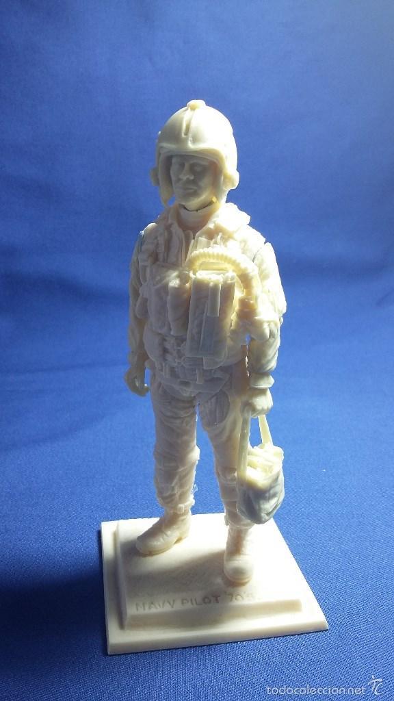 FIGURA DE PILOTO US NAVY EN RESINA. 90 MM (Juguetes - Modelismo y Radiocontrol - Figuras en miniatura)