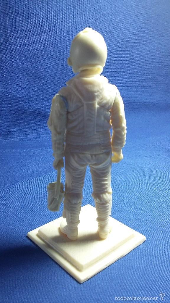 Hobbys: Figura de Piloto US Navy en resina. 90 mm - Foto 3 - 127795076