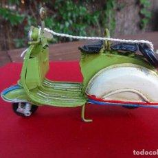 Hobbys: VESPA MOTOCICLETA DE METAL ARTESANA. Lote 62409712