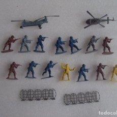 Hobbys: LOTE DE 14 SOLDADITOS DE PLASTICO, 2 HELICOPTEROS Y 2 ALAMBRADAS.. Lote 82107748