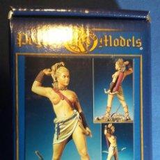 Hobbys: GLADIADORA EN METAL BLANCO DE LA MARCA PEGASO MODELS 54 MMM. Lote 107382355