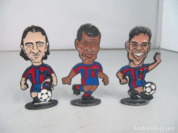 LOTE DE 3 FIGURAS DE METAL DE JUGADORES DEL FC BARCELONA, TAMAÑO 7,5 CM DE ALTURA (Juguetes - Modelismo y Radiocontrol - Figuras en miniatura)