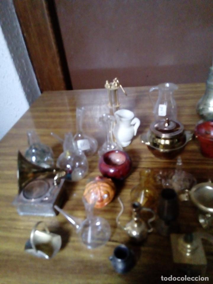 Hobbys: Lote de 28 miniaturas para casitas de madera, años 60,70, de cristal, cerámica y bronce, - Foto 2 - 174188868