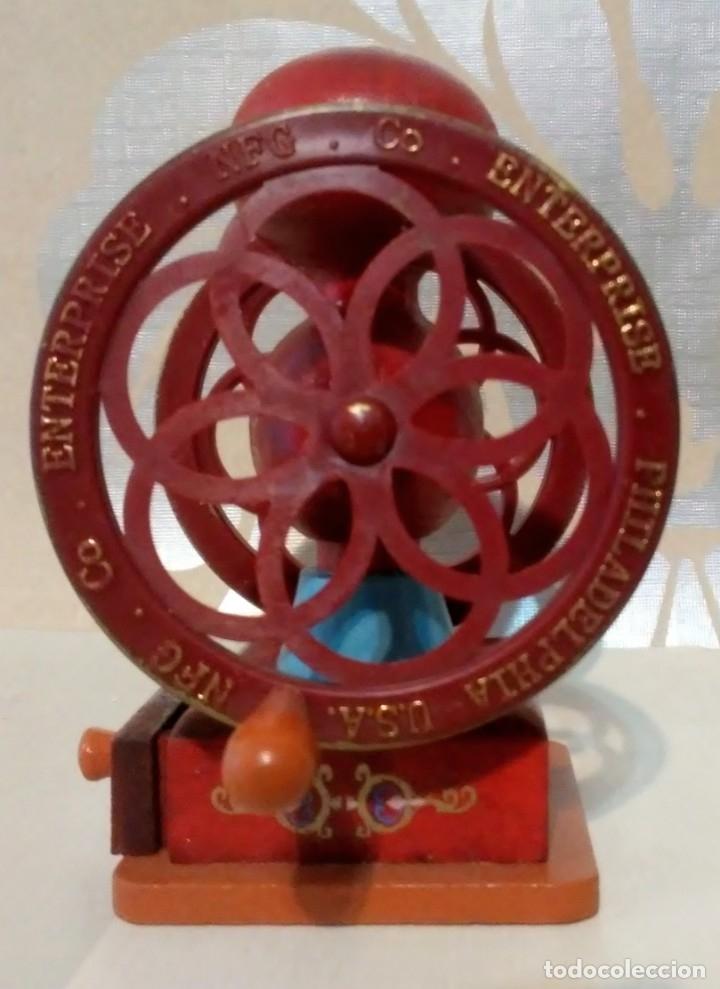 Hobbys: lote dos molinillos café en miniatura de madera, plastico y metal - Foto 2 - 176506838