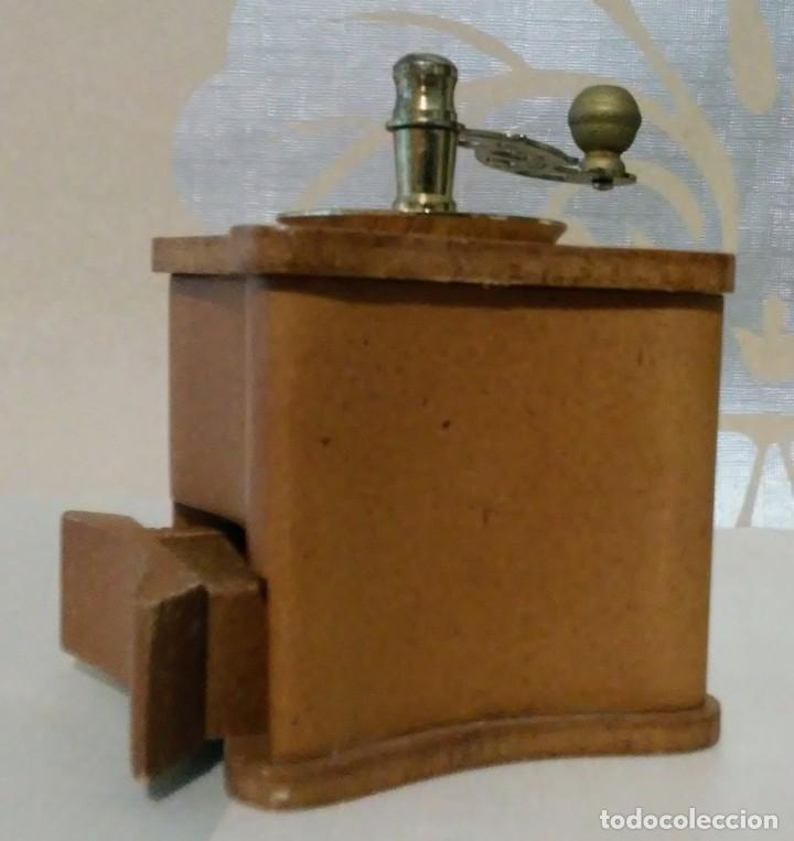 Hobbys: lote dos molinillos café en miniatura de madera, plastico y metal - Foto 4 - 176506838