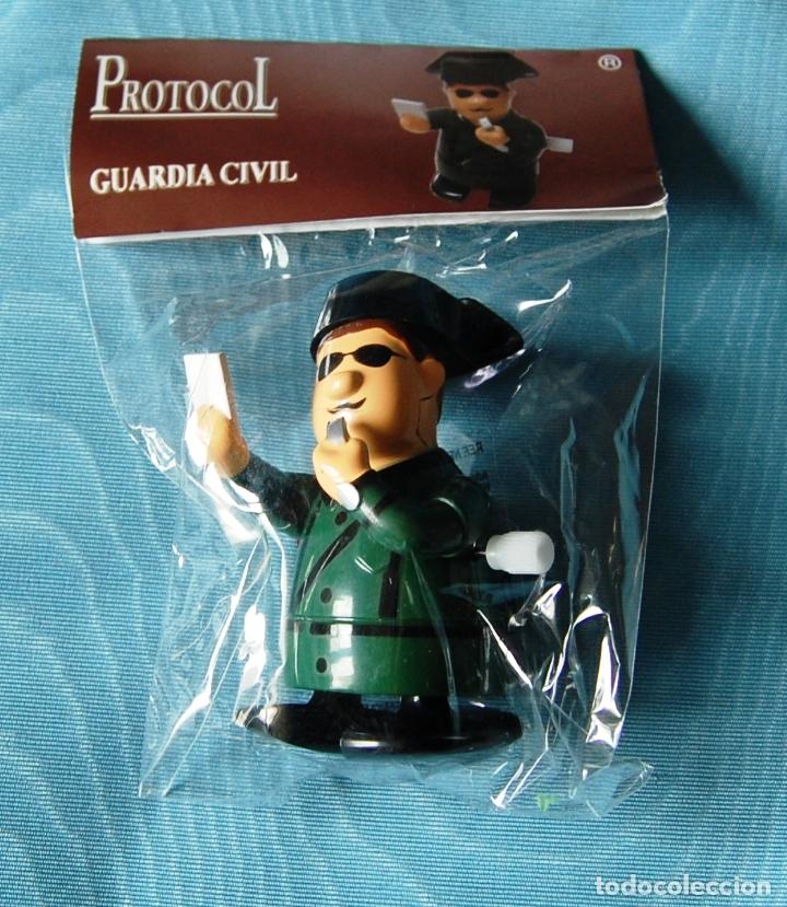 Hobbys: Figura de un Guardia Civil denunciando, de cuerda. - Foto 3 - 176552359