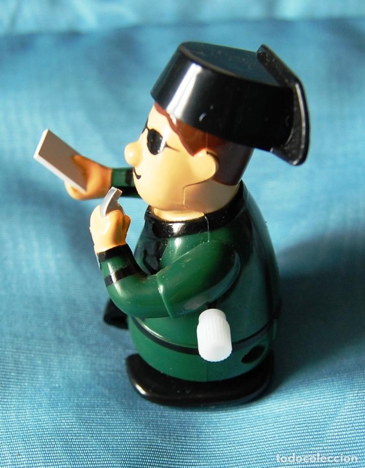 Hobbys: Figura de un Guardia Civil denunciando, de cuerda. - Foto 5 - 176552359