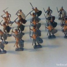 Hobbys: LOTE DE 23 FIGURAS PINTADAS MINIATURA, SOLDADOS, GUERREROS, BARBAROS ?, CREO QUE ITALERI.. Lote 177521710