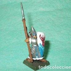 Hobbys: LOTE FIGURA ANTIGUA GAMES WORKSHOP DE 1999 - TIPO WARHAMMER / SEÑOR DE LOS ANILLOS - GUERRERO ELFO. Lote 185996571