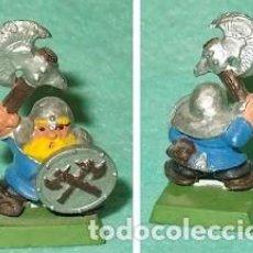 Hobbys: LOTE FIGURA ANTIGUA GAMES WORKSHOP DE 1995 - TIPO WARHAMMER / SEÑOR DE LOS ANILLOS - GUERRERO ENANO. Lote 185998381