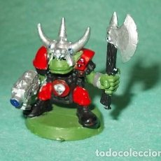 Hobbys: LOTE FIGURA ANTIGUA GAMES WORKSHOP - TIPO WARHAMMER 40000 - GUERRERO ORCO. Lote 186007238