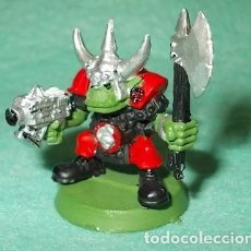 Hobbys: LOTE FIGURA ANTIGUA GAMES WORKSHOP - TIPO WARHAMMER 40000 - GUERRERO ORCO. Lote 186007316