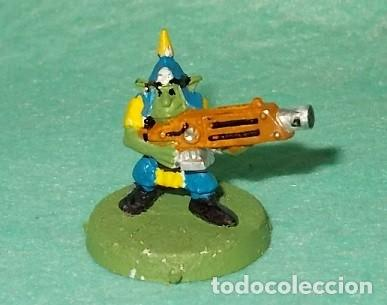 LOTE FIGURA ANTIGUA GAMES WORKSHOP - TIPO WARHAMMER 40000 - GUERRERO GOBLIN (Juguetes - Modelismo y Radiocontrol - Figuras en miniatura)