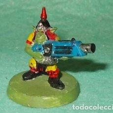 Hobbys: LOTE FIGURA ANTIGUA GAMES WORKSHOP - TIPO WARHAMMER 40000 - GUERRERO GOBLIN. Lote 186007815