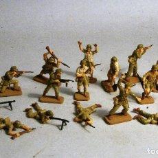 Hobbys: AIRFIX. ESCALA 1/72. 17 SOLDADOS ALEMANES AFRIKA KORPS PINTADOS A MANO. Lote 194280861