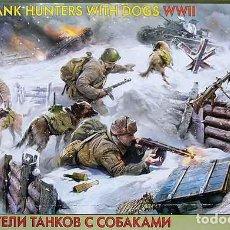 Hobbys: CAJA CON SOLDADOS CAZACARROS SOVIÉTICOS CON PERROS (2ª GUERRA MUNDIAL) DE ZVEZDA A 1/35. Lote 261670800