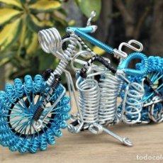 Hobbys: MOTO TIPO HARLEY DARVIDSON EN ALAMBRE DE ALUMINIO. Lote 198053032