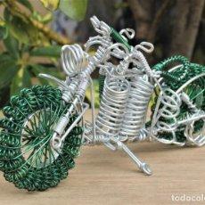 Hobbys: MOTO TIPO HARLEY DARVIDSON EN ALAMBRE DE ALUMINIO. Lote 198053367