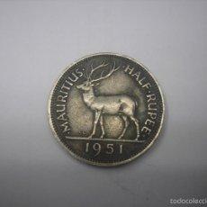 Monedas antiguas de África: ISLA MAURICIO, 1/2 RUPIA DE METAL DE 1951. Lote 58478393
