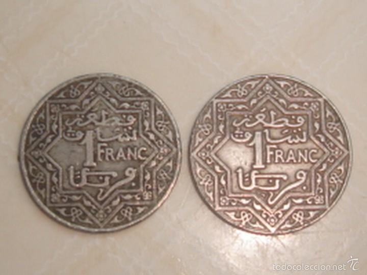 MARRUECOS. PROTECTORADO FRANCÉS. 2 MONEDAS DE 1 FRANCO DE 1921 Y 1924 (Numismática - Extranjeras - África)