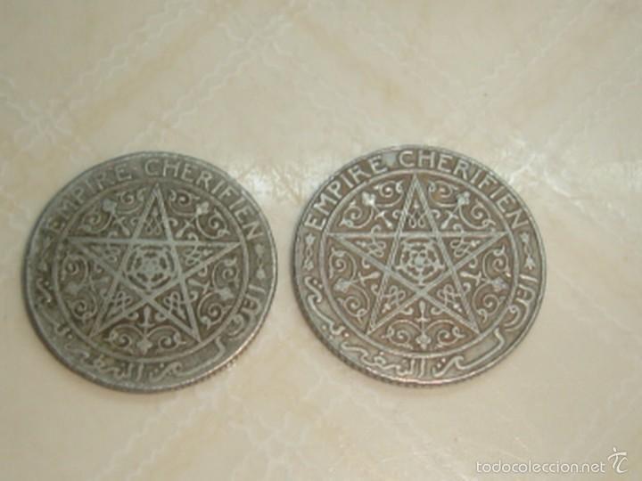 Monedas antiguas de África: Marruecos. Protectorado francés. 2 monedas de 1 franco de 1921 y 1924 - Foto 2 - 120968450