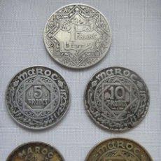 Moedas antigas de África: SET DE 5 MONEDAS DIFERENTES FRANCOS MARROQUIES, PERÍODO PROTECTORADO FRANCÉS 1921-1956. Lote 97867083
