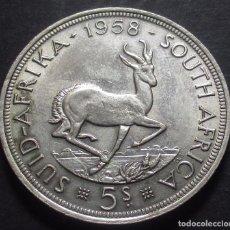 Monedas antiguas de África: SUDÁFRICA 5 CHELINES 1958 ISABEL II -PLATA-. Lote 98950403