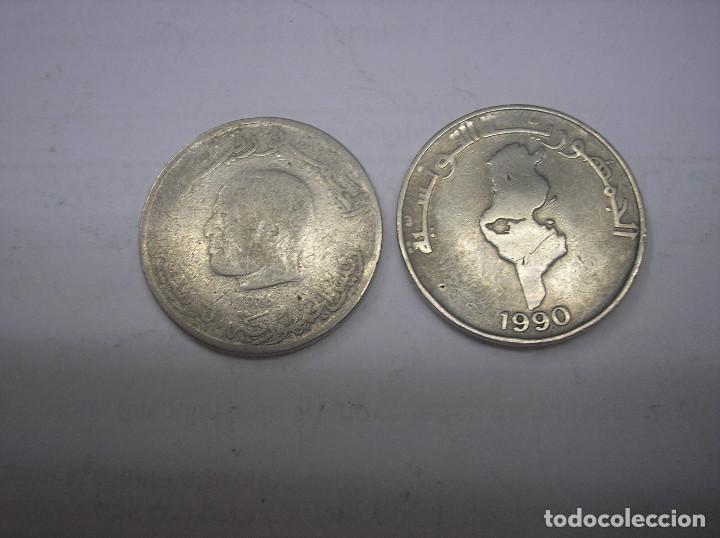 Monedas antiguas de África: TUNEZ, 2 MONEDAS DE 1 DINAR. AÑOS 1976-1980. METAL - Foto 2 - 136015406