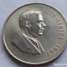 Monedas antiguas de África: MONEDA DE PLATA DE 1 RAND DE 1967 DE SUDAFRICA, ESCASA, PESA 15 GRAMOS. Lote 154853182