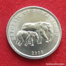 Moedas antigas de África: SOMALILANDIA SOMALILAND 5 SHILLING 2005 ELEFANTES. Lote 219840440